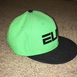 Nike Accessories - Nike Elite cap